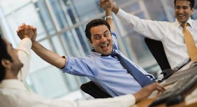 تعرف على الفرق بين الناجح والفاشل,زملاء العمل ,رجل ناجح,الشركة بيزنس,co workers business company men happy