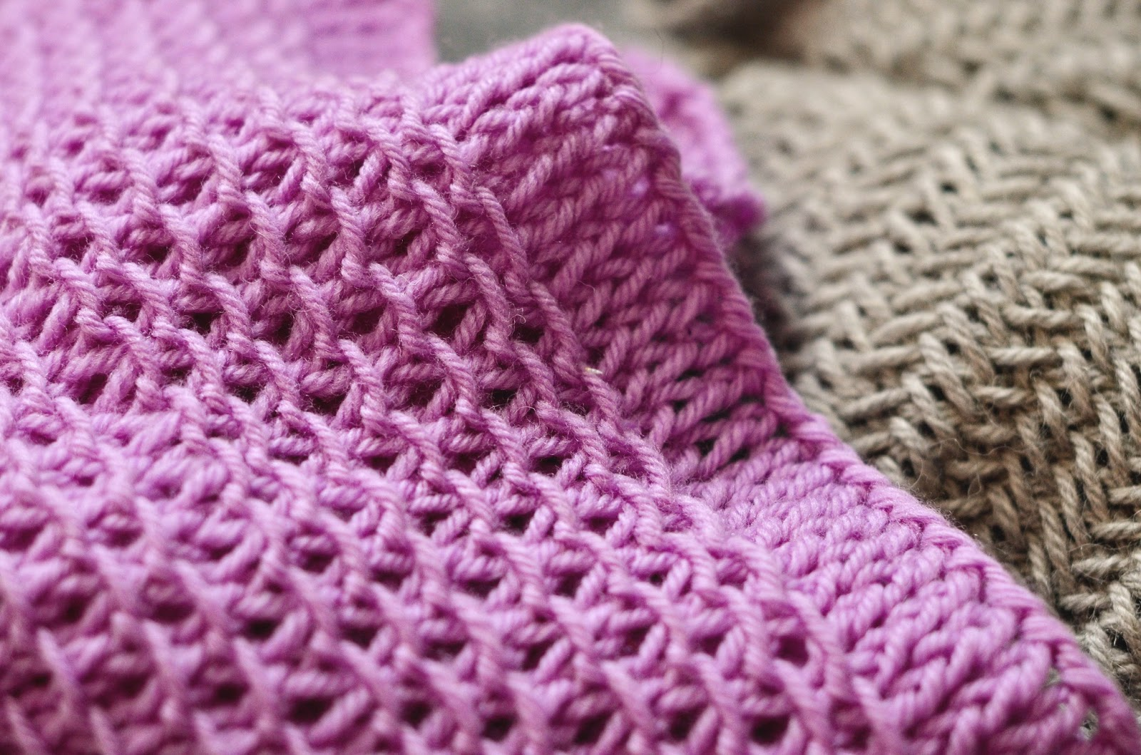 Honey Cowl Knitting Pattern : Bijou Lovely: new cowls.