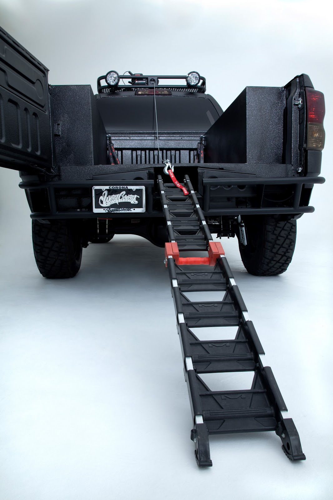 rampe moto pour pick up. Black Bedroom Furniture Sets. Home Design Ideas