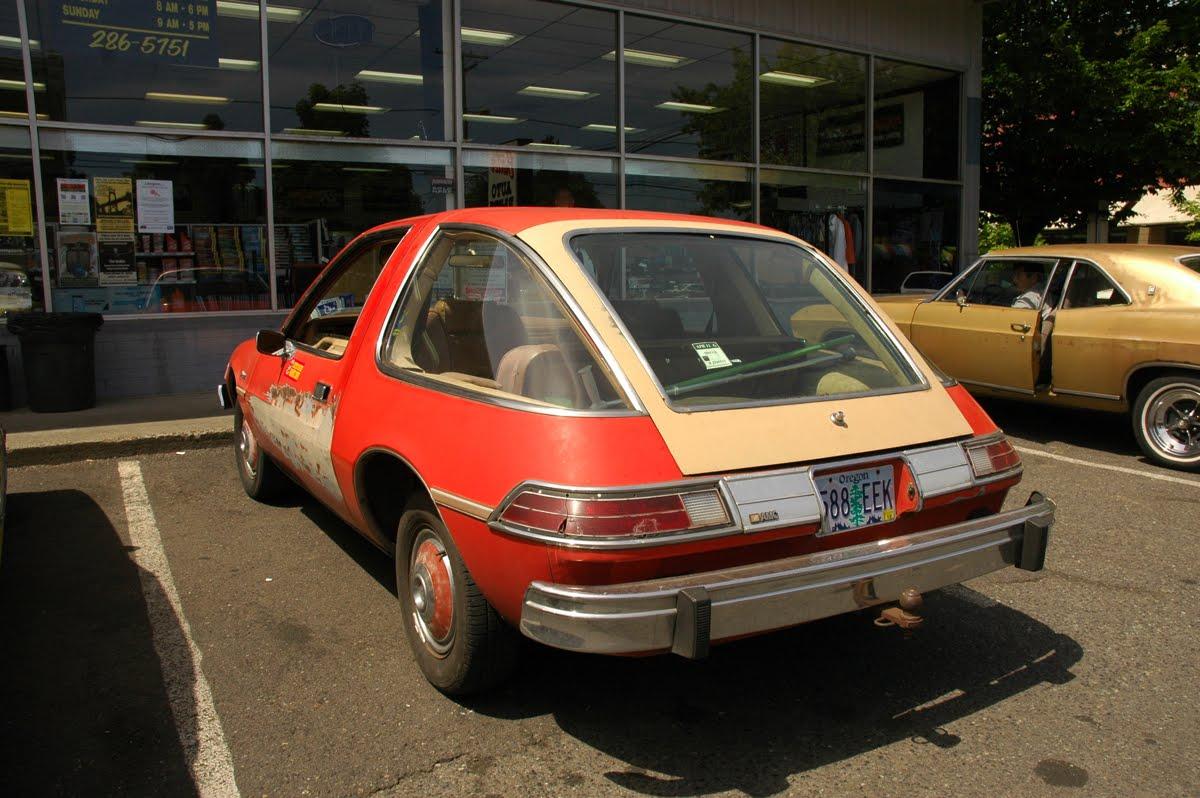 OLD PARKED CARS.: 1979 AMC Pacer DL.