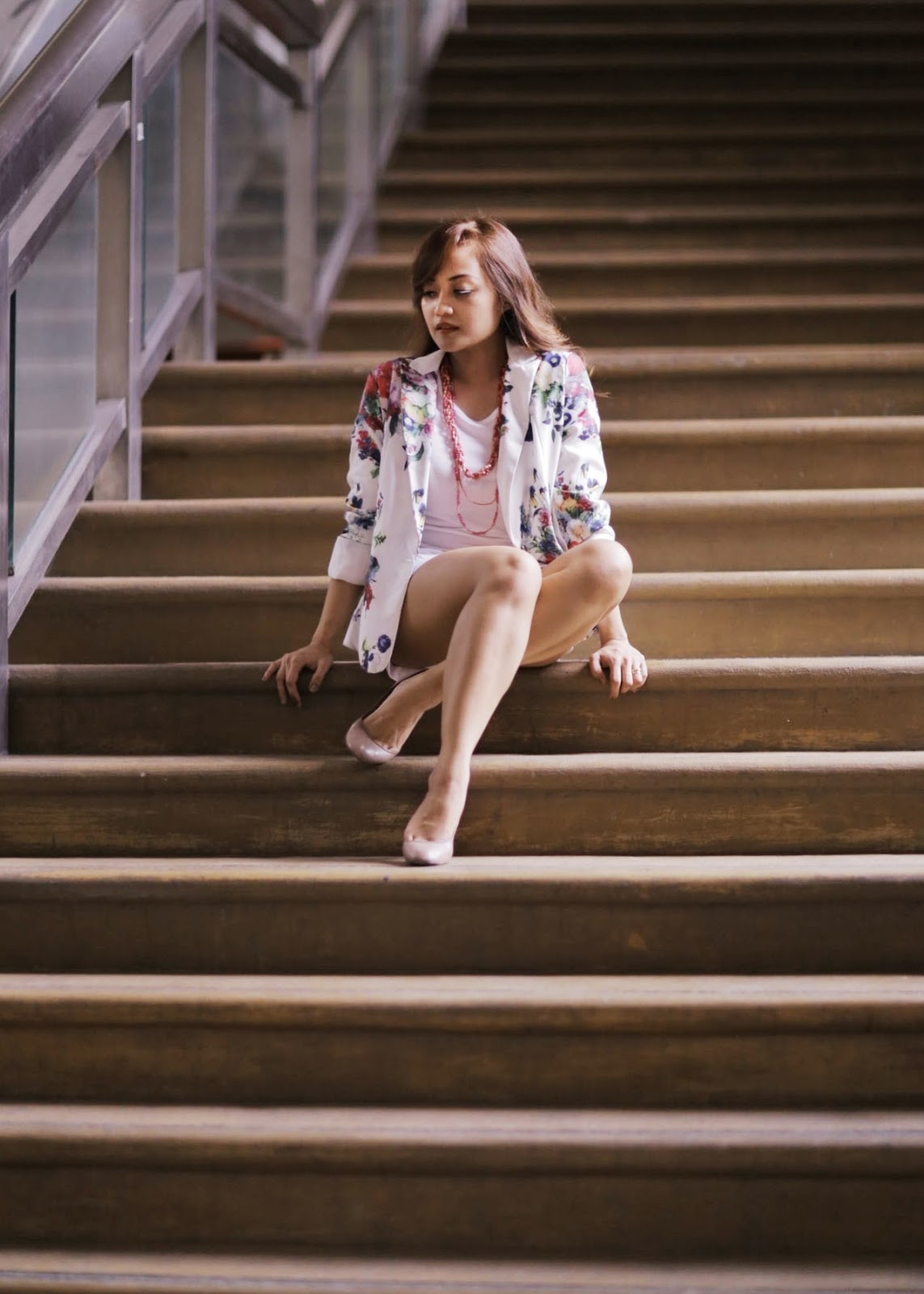 floral, blazer, summer trends, sisters, all white outfit