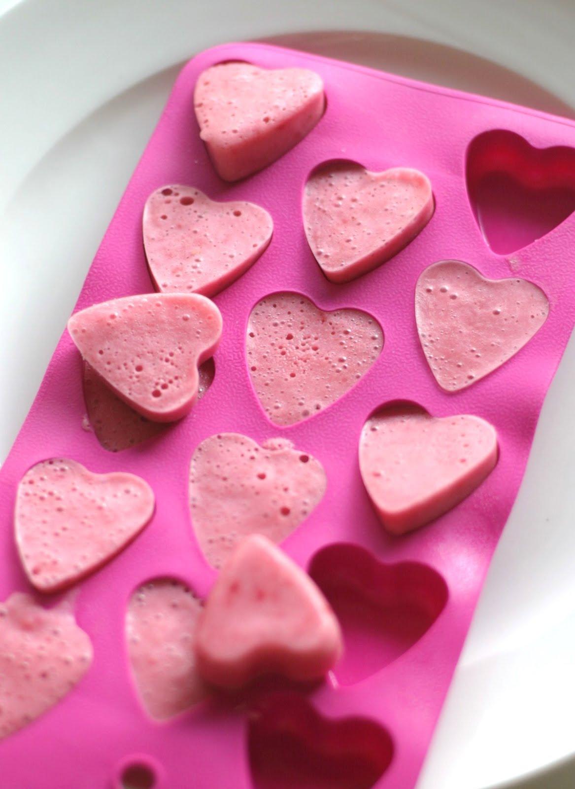 Pink Little Cake Frozen Berry Yogurt Hearts