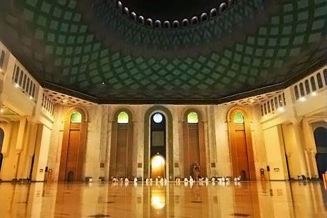Arsitektur Masjid Nasional Al-Akbar Surabaya
