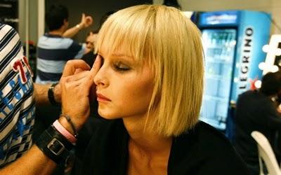 ... make up yang baik dan benar sesuai dengan bentuk wajah dan warna kulit