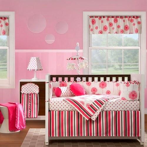 Décoration chambre bébé en rose