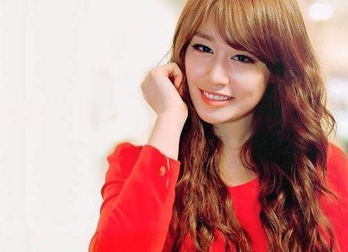 "Park Jiyeon ""The Red Beauty Lady"" Picture"