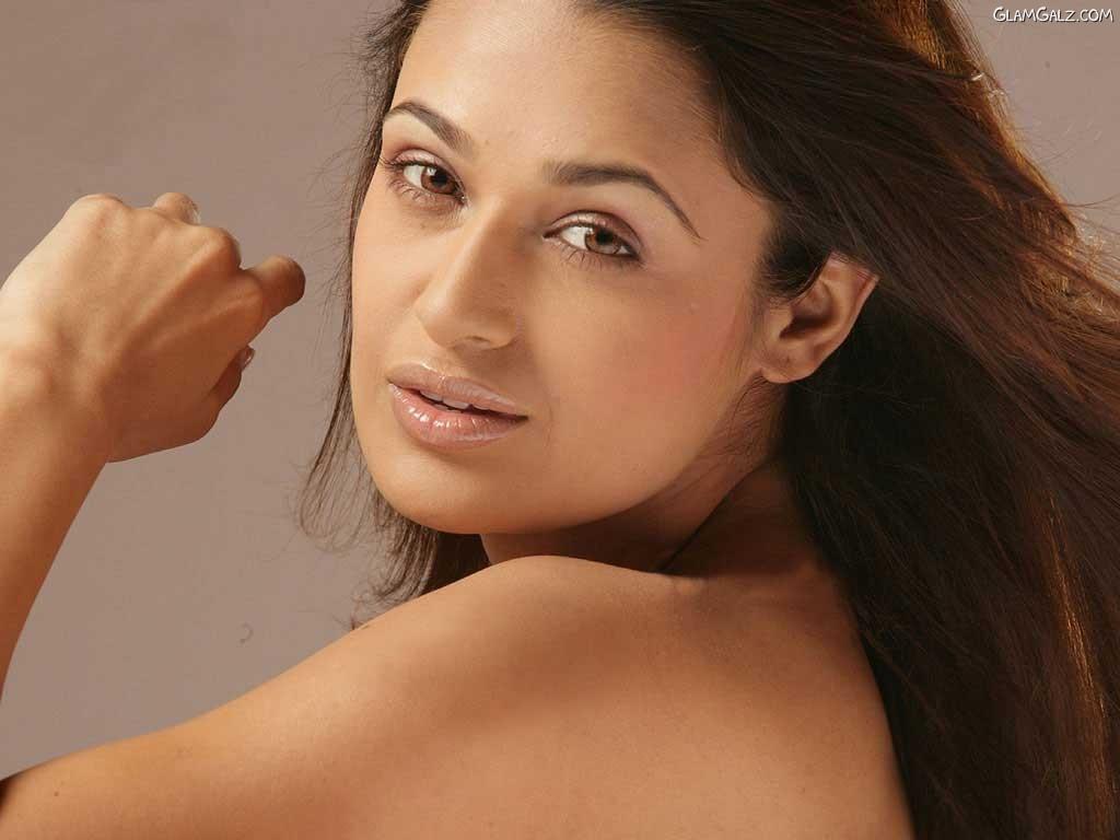 Yuvika chaudhary in khap