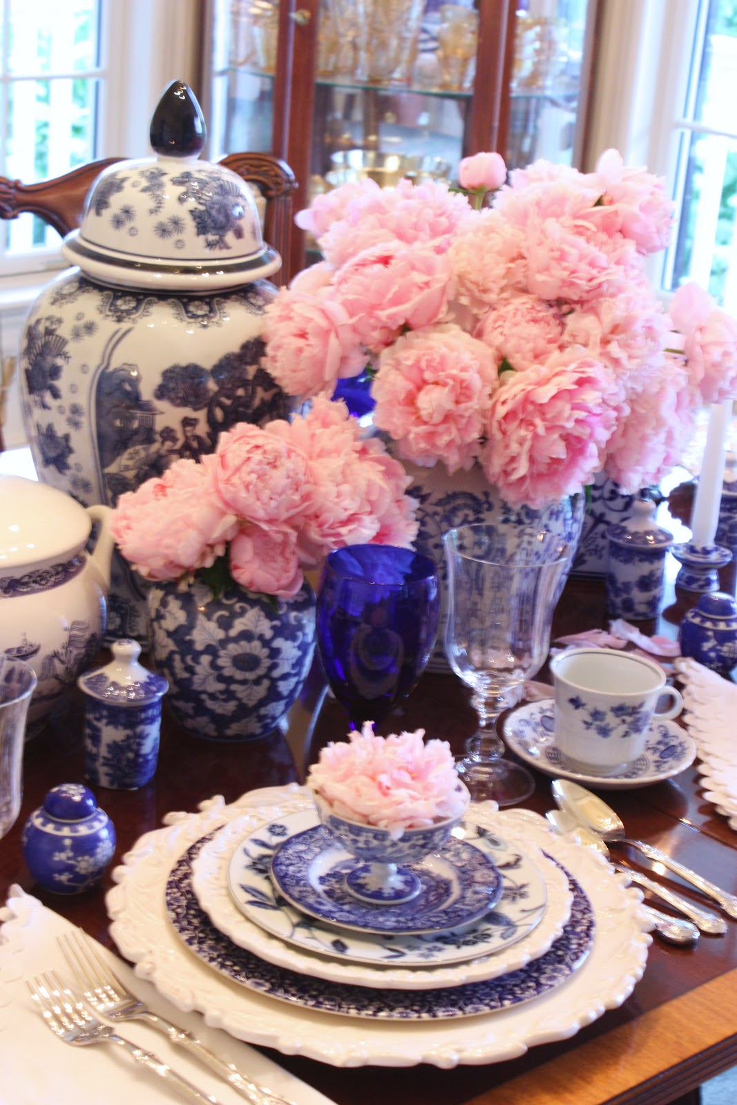 Stonegable blue willow and pink peonies tablescape