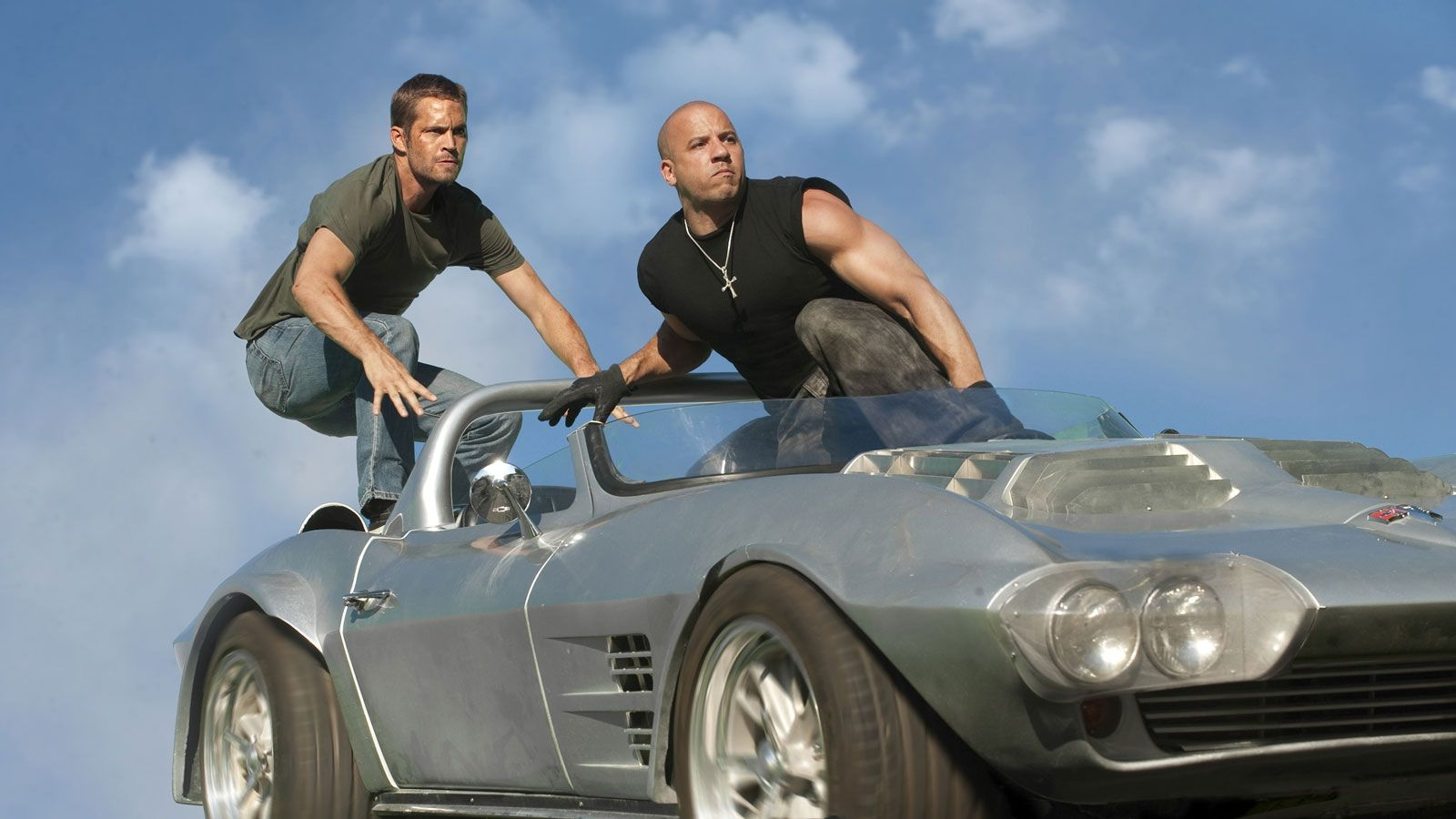 http://1.bp.blogspot.com/-3a7X0ZX9MB8/TeGTnIG32qI/AAAAAAAAAAQ/S7du0rw2GxY/s1600/Fast_Five_Vin_Diesel_and_Paul_Walker_Wallpaper_1600x900_7016.jpg