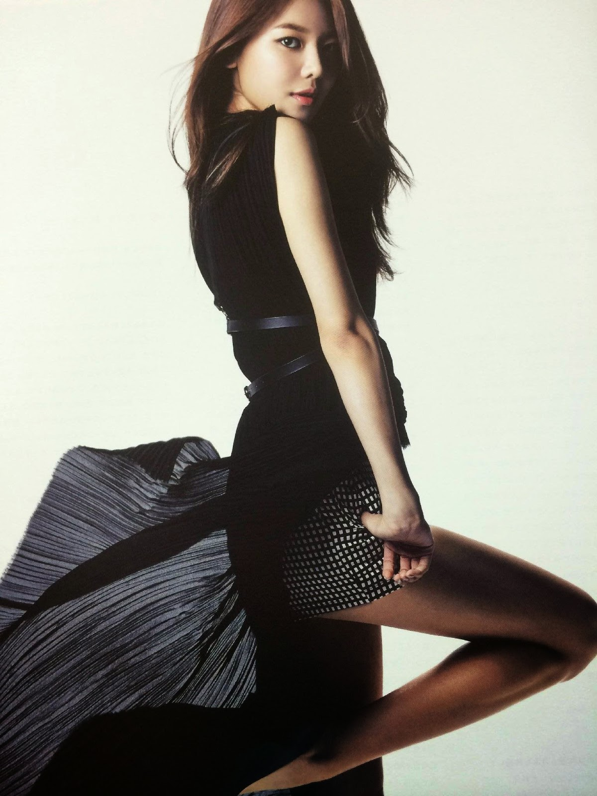 SNSD Sooyoung (수영; スヨン) Girls Generation The Best Scan Photos 2