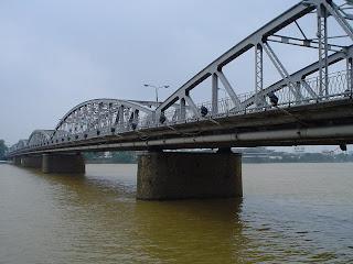 El puente de Hue
