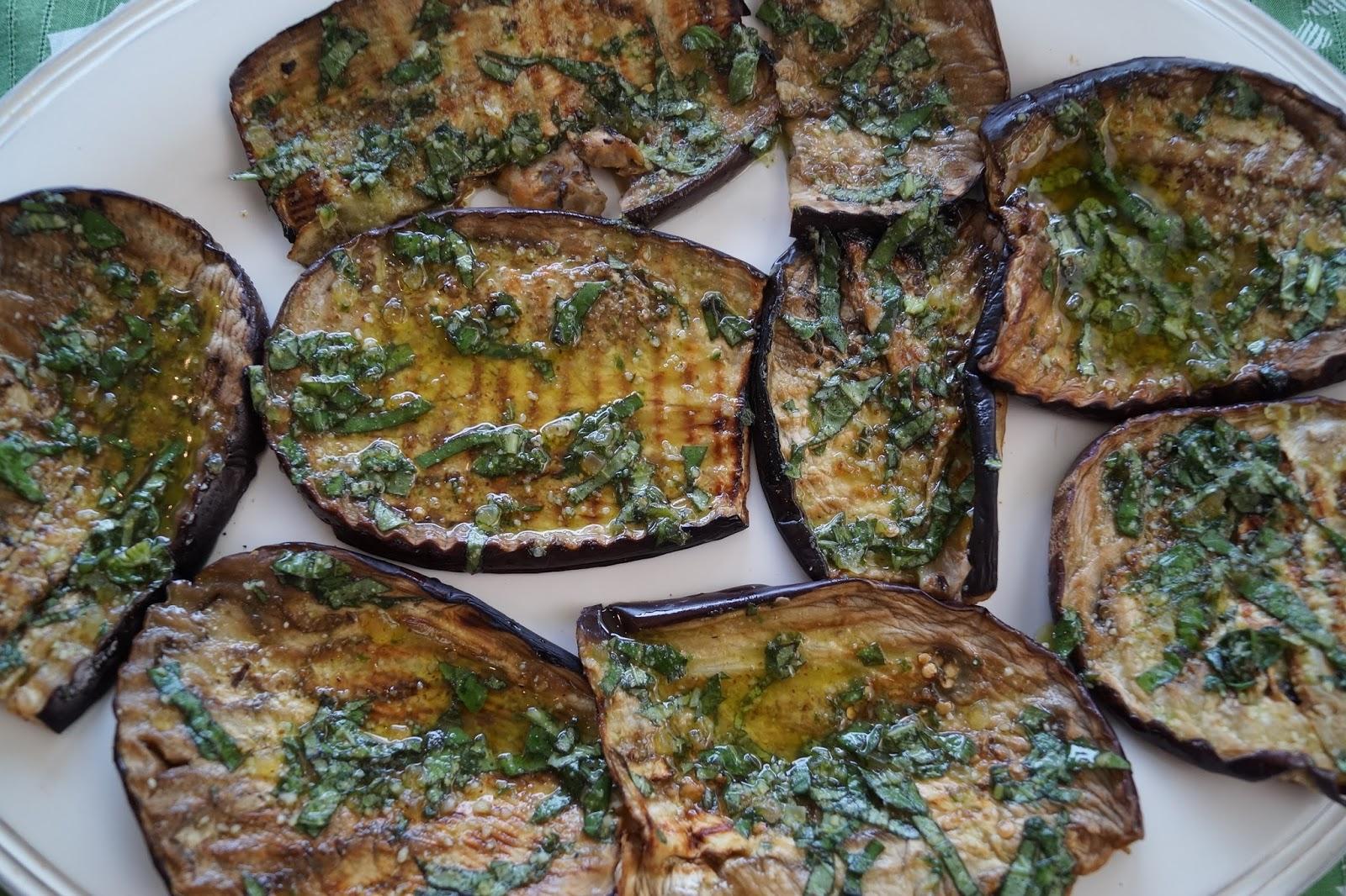 Aubergines grill es au pesto - Recette avec aubergine grillee ...