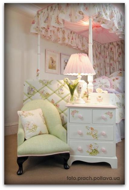 Детская мебель модели Flower Fairy furniture 3 от фабрики Dragons of Walton Street.