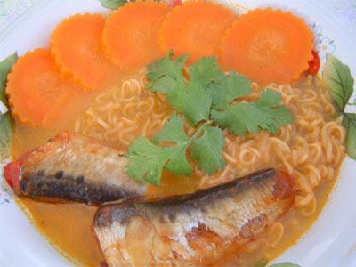 มาม่าปลากระป๋อง (Instant noodle with canned fish)