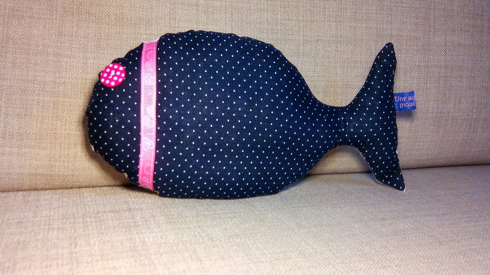 poisson coté pile en couture avec ruban et bouton
