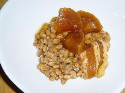 納豆にいなばの『ぶた大根』缶詰