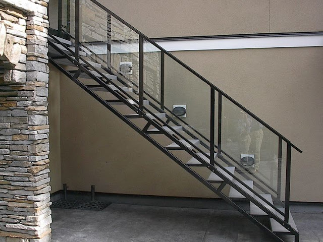 Glass staircase railing designs