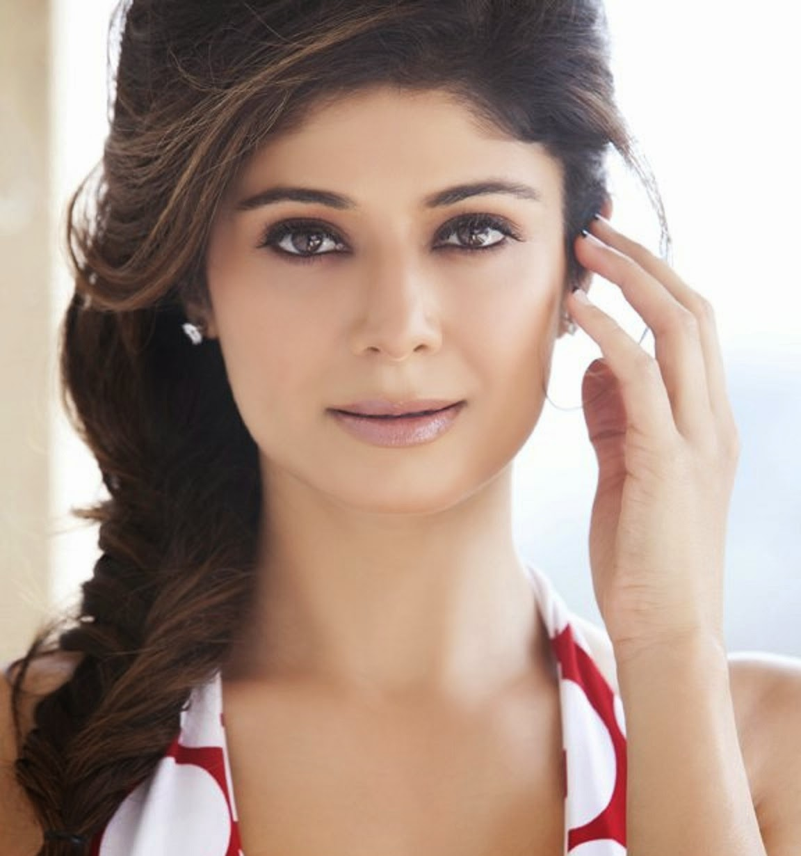 13 Bollywood Actresses Who Have Won Beauty Pageants