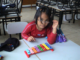 משחקים, לומדים, מנגנים, רוקדים, שרים ויוצרים