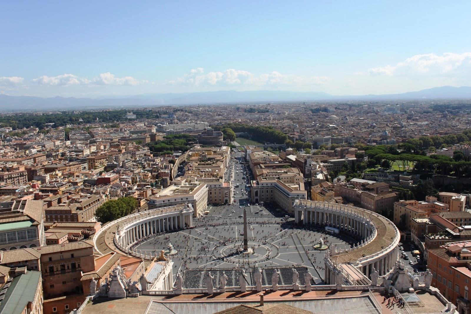 Rome la place st pierre et la basilique du vatican - Les beatitudes une secte aux portes du vatican ...