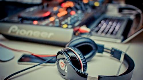 """Liệu DJ có phải một """"cái nghề"""" ?"""