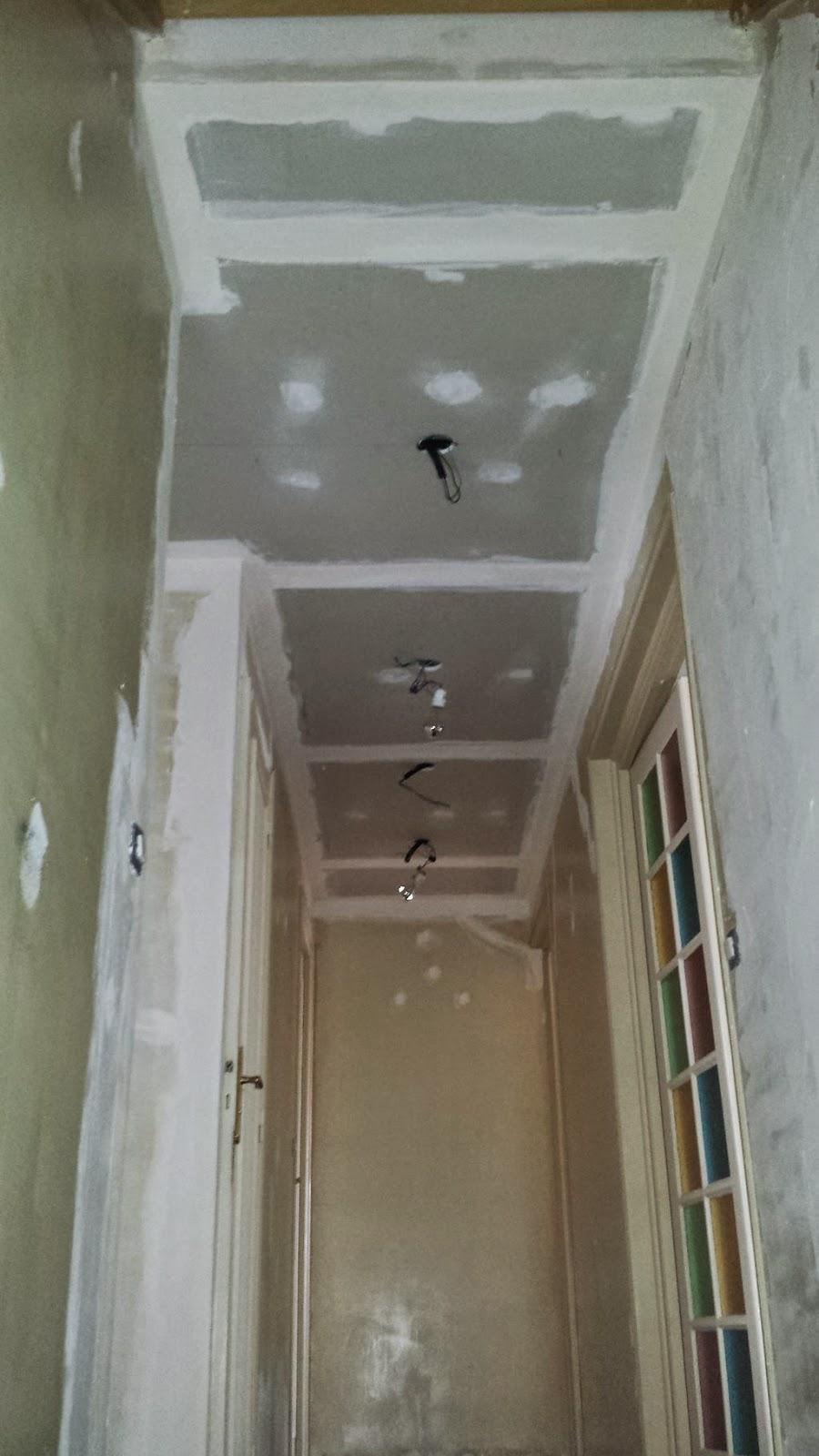 Couloir faux plafond partie 7 travaux bricolage - Retouche peinture plafond ...
