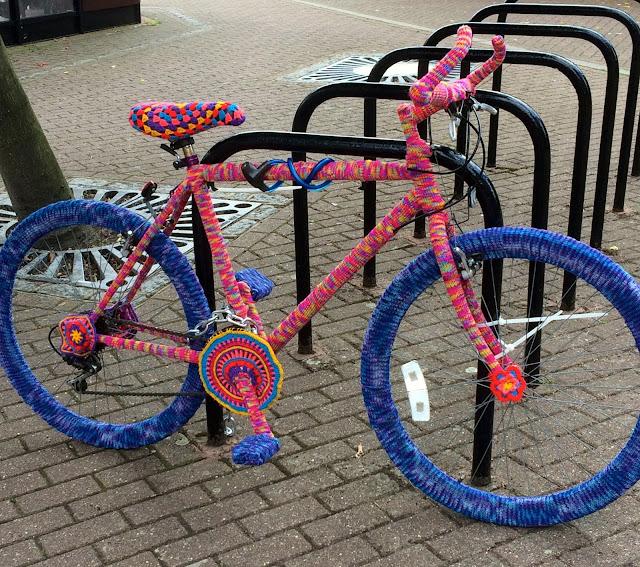 yarn bomb bike Tring