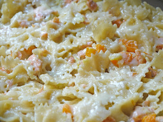 Gratin de pâtes aux courgettes et au saumon fumé (voir la recette)
