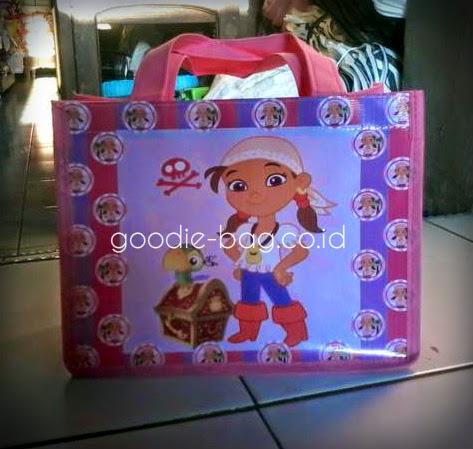 Goodie Bag Banner Murah