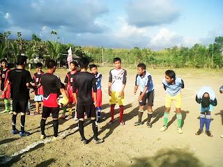 sepak_bola_;pelajar