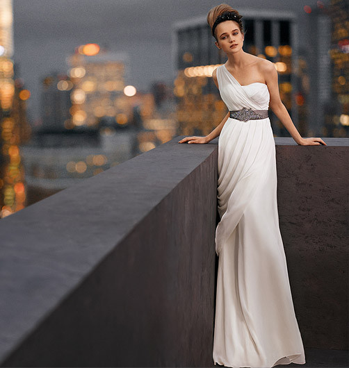 Davids Bridal And Vera Wang Joined Their Creative Forces To Bring White By A Collection Of Beautiful Wedding Dresses That Start At 600