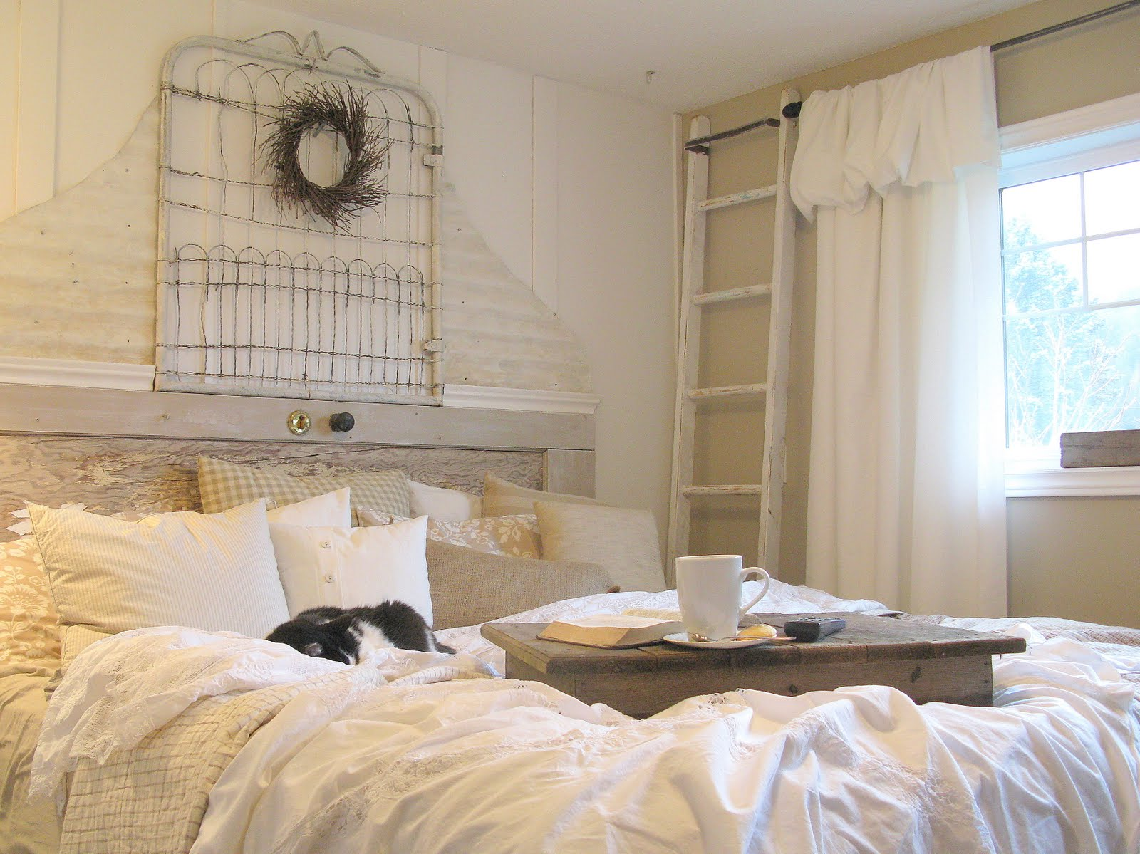 White Shabby Chic Bedroom Ideas