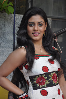 Iniya Spiocy Actress Wallpapers