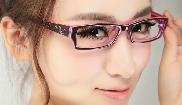 Beautiful Tips For Girls Who Wear Glasses 1