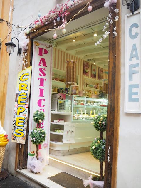 italia, rooma, italy, roma, rome, matka, travel, tips, ideas, ideat, vinkit, matka, matkustus, loma, rooma, trevi, fontana di trevi, piazza di trevi, cafe, food, syödä, ruoka, kahvila, crepe, ohukainen, crepes,