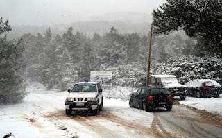 Πώς να οδηγείτε το αυτοκίνητό σας σε χιόνι και ομίχλη