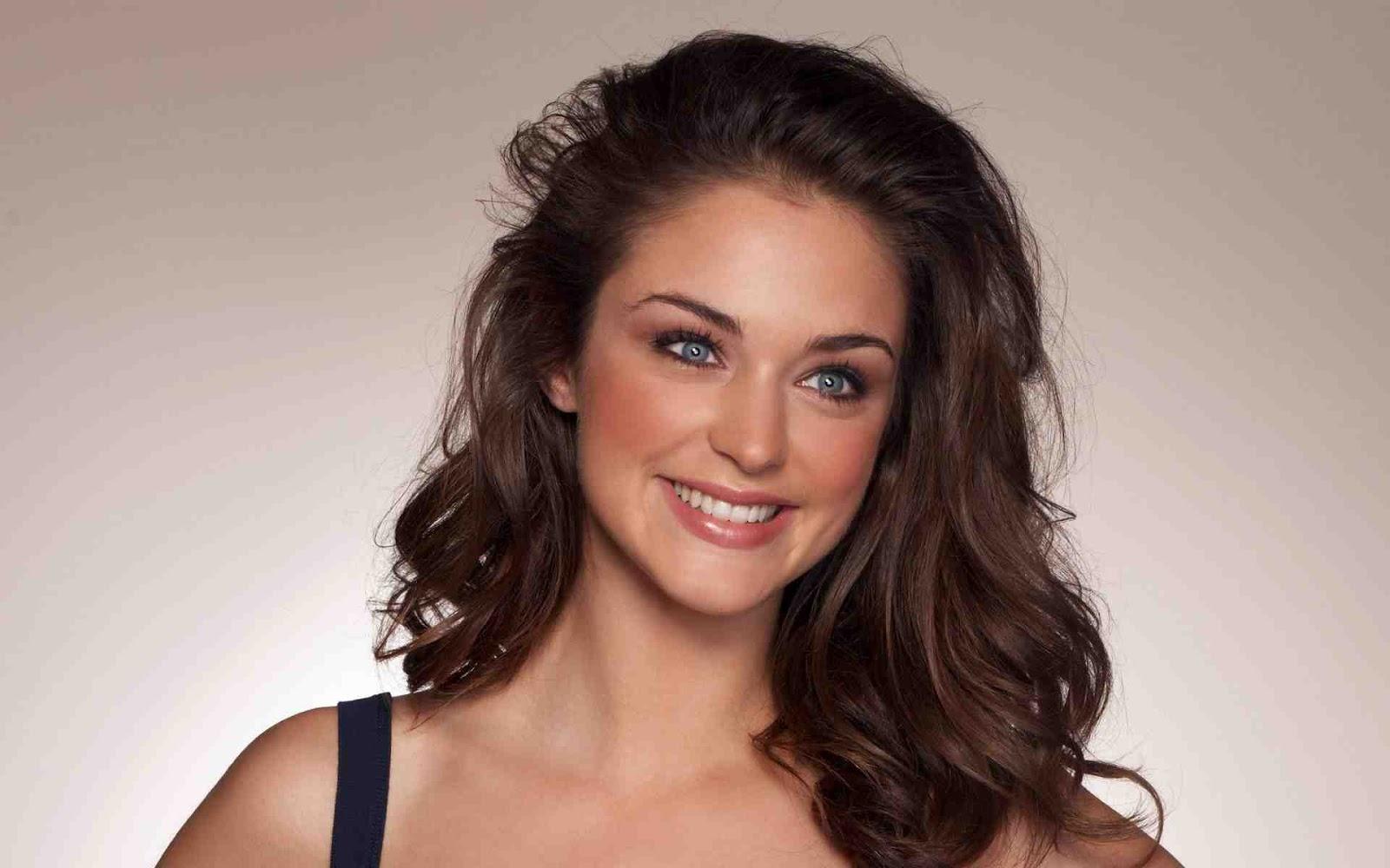 http://1.bp.blogspot.com/-3d8-ZneemOg/TjLImWc-80I/AAAAAAAALNw/3ohUgJuuWeI/s1600/Model-+Lauren-+Budd--29.jpg