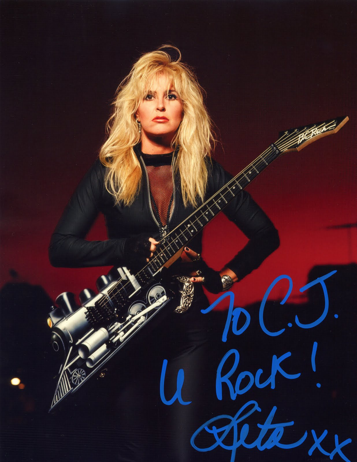 Lita Ford Pictures - Lita Ford Photo Gallery - 2017