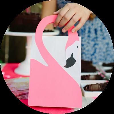 DIY flamingo favor bag