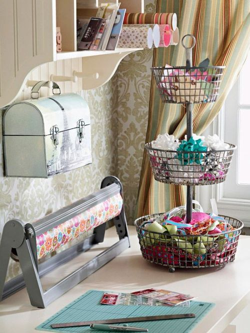 pretty way to organise a storage for decorating crafts