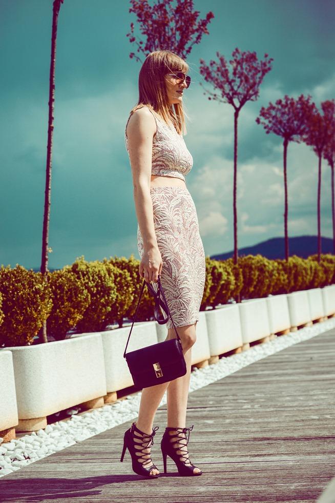 zara two piece palm print crop top pencil skirt, blogger