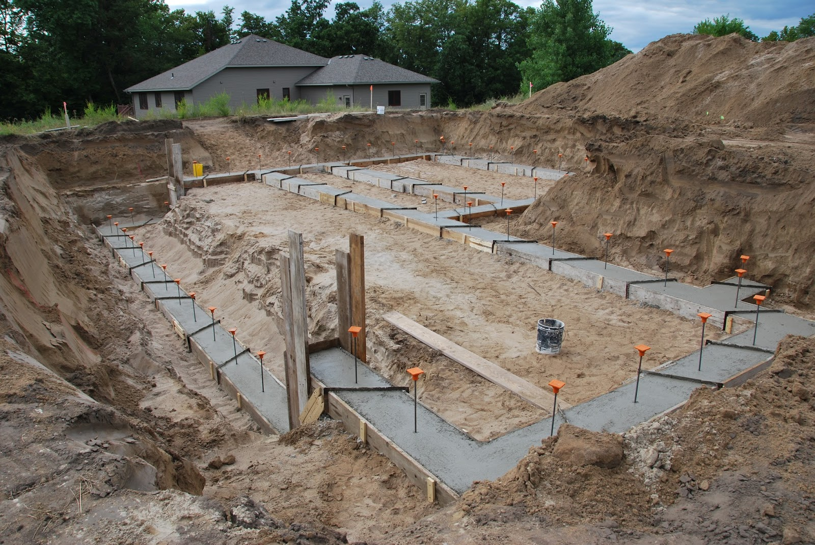 A new home for the dunn family days 2 thru 17 footings Foundation pouring