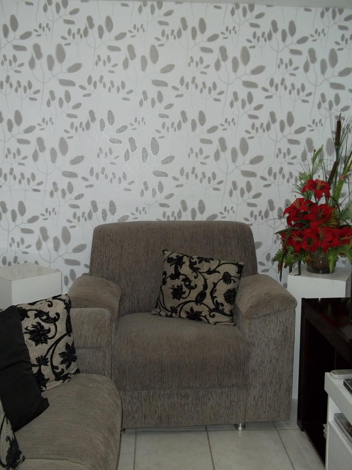 #5A463C  de Ambientes: Sala Decorada com Papel de Parede Coleção de Marcelo 1200x1600 píxeis em Decoração Para Sala Pequena Com Papel De Parede