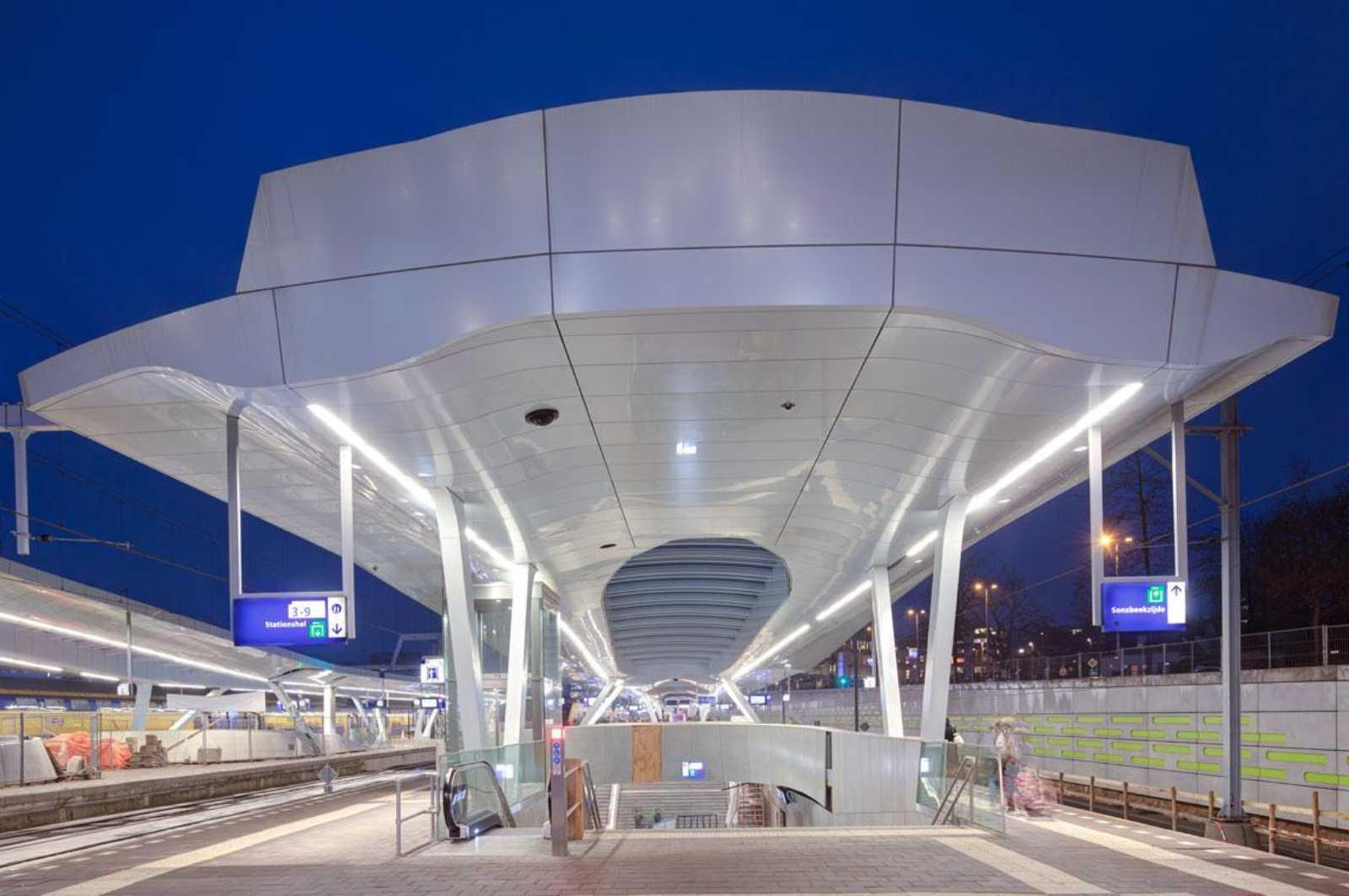 Arnhem central platforms by unstudio for Un studio architecture