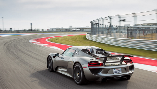2016 Porsche 918 Spyder Specs and Release Date
