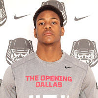 Clemson adds four-star defensive end prospect Xavier Kelly to its 2016 recruiting class.