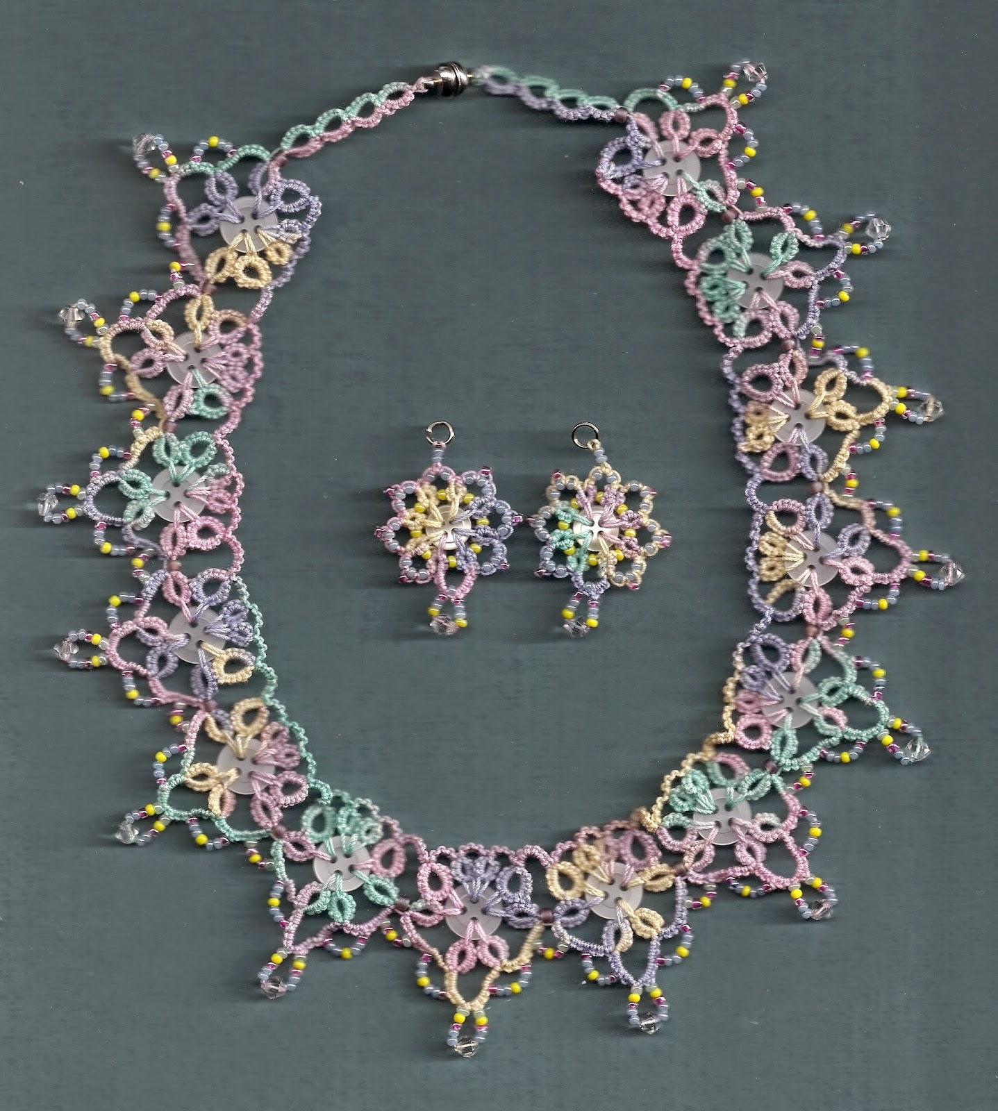 http://1.bp.blogspot.com/-3dmxHaaNqMI/U-eARWDCzXI/AAAAAAAAEpE/xagG93kvdjQ/s1600/necklaceearrings2.jpg