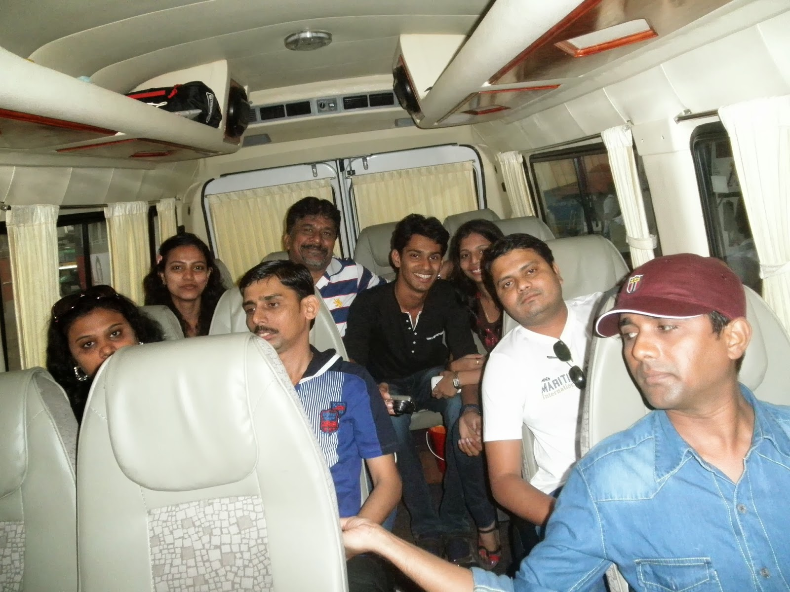 http://www.munnartourguide.com/2014/02/03-nights-04-days-kerala-budget-group.html