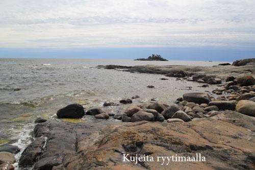 Saari avomerellä