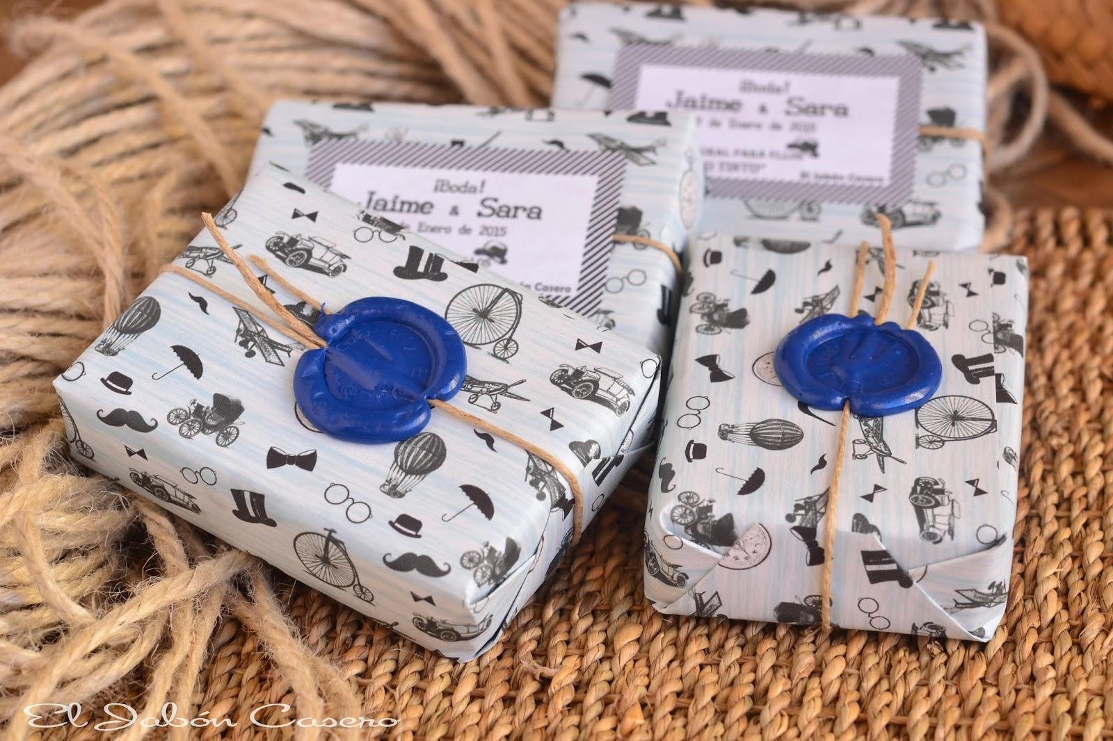 Detalles de boda para hombres jabones personalizados
